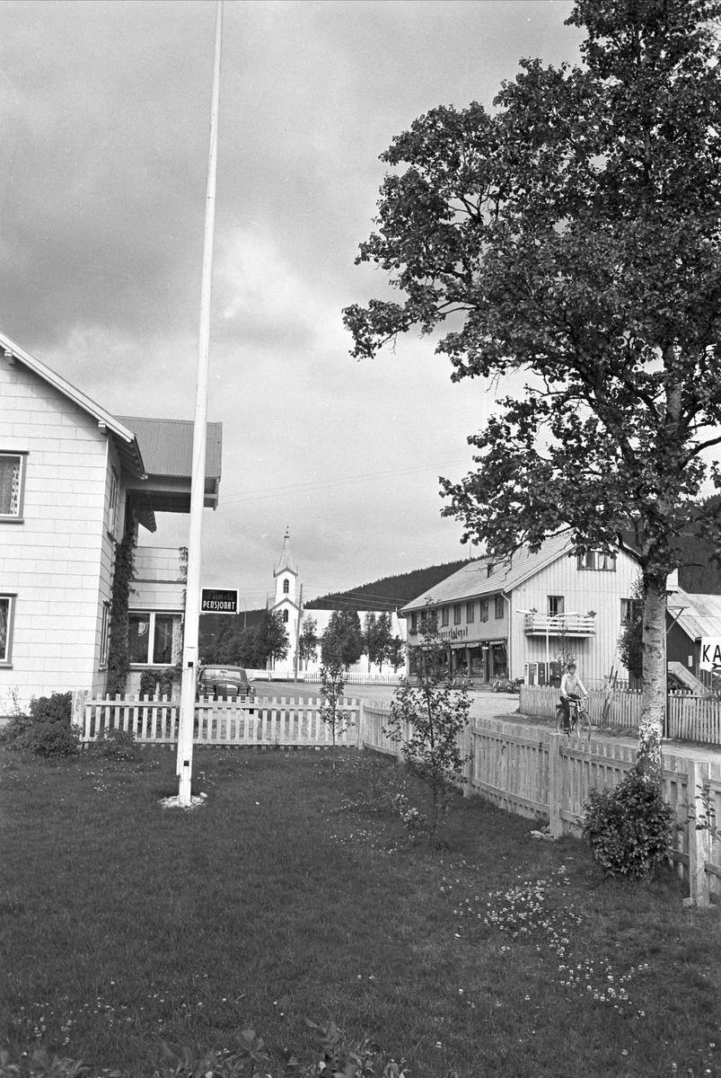 Serie. Engerdal sentrum med omegn og Engerdalfestivalen 1967. Engerdal, Hedmark.