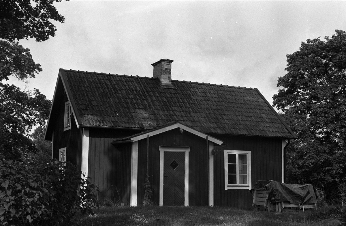 Bostadshus, Stora Kroksbol, Almunge socken, Uppland 1987