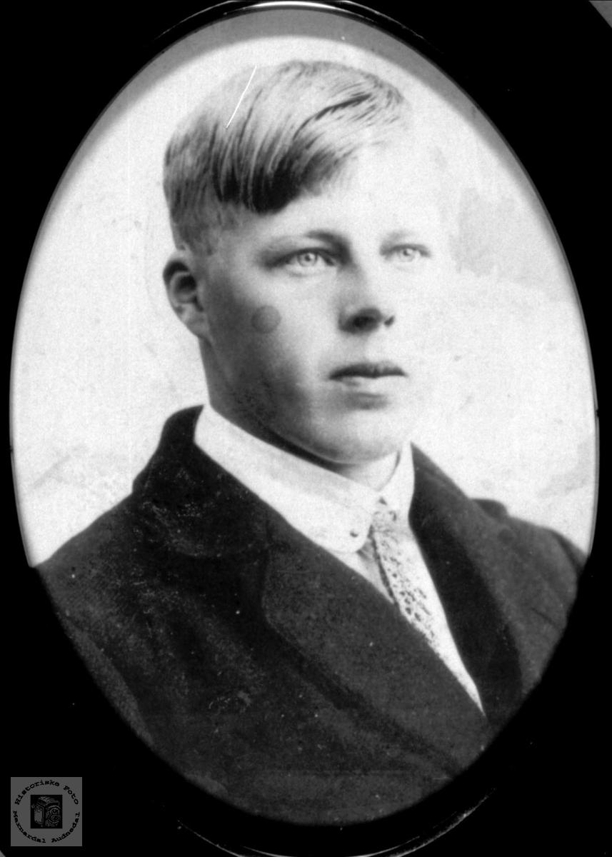 Portrett av Nils Skuland, Sveinall, Laudal.