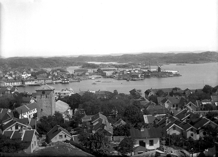 Panoramabild över Marstrandsön mot sydost