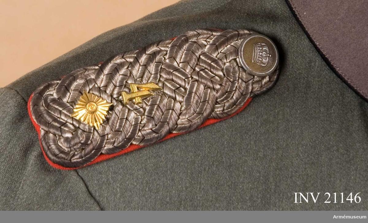 Grupp C II. Ur uniform för officer vid fältartillerireg:t Prinz-Regent Luipold v Bajern (Magdeburg) Nr 4, IV Armékåren, Tyskland. Buren av Oberleutnant Hans v Landwüst.