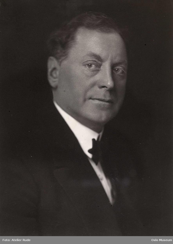 Knudsen, David (1875 - 1952)