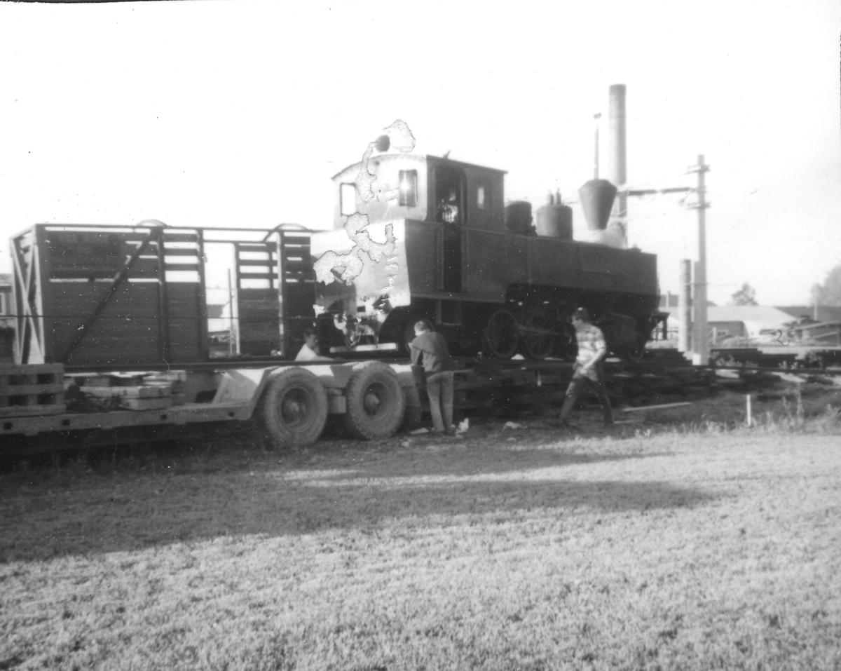 Transport av damplok 4 Setskogen fra Sørumsand Verksted til museumsbanen.
