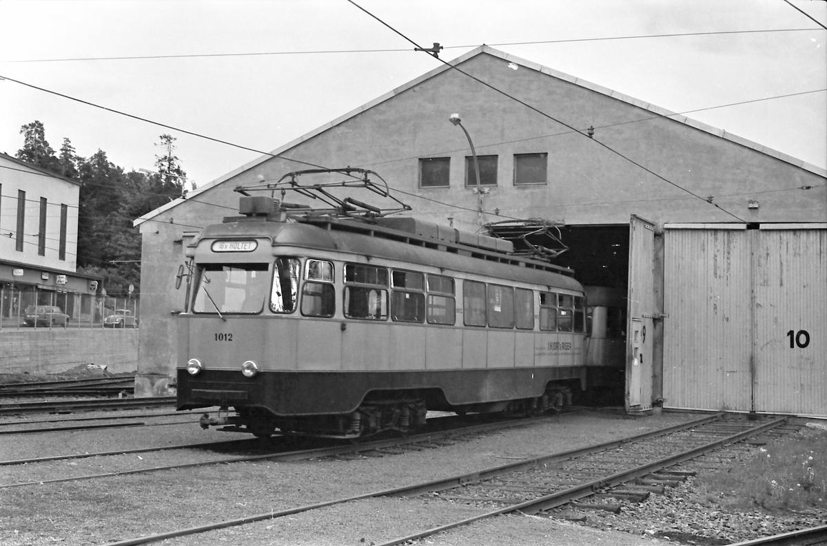 Ekebergbanen, Oslo Sporveier. Holtet vognhall. Vogn 1012.