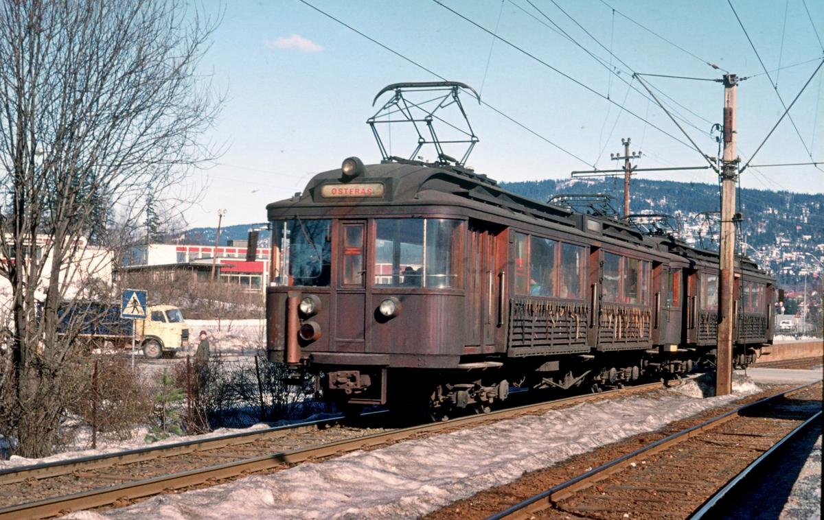A/S Holmenkolbanen. Røabanen. Vogn 105 og 106, type 1928 (Strømmens verksted, NEBB)