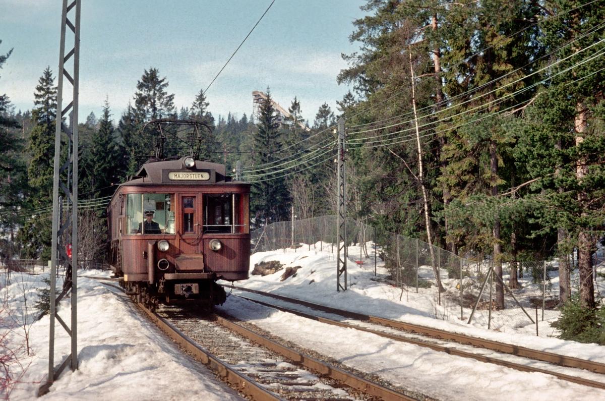 A/S Holmenkolbanen. Holmenkollbanen. Vogn 38, type 1914 (Skabo, Westinghouse, HKB verksted).