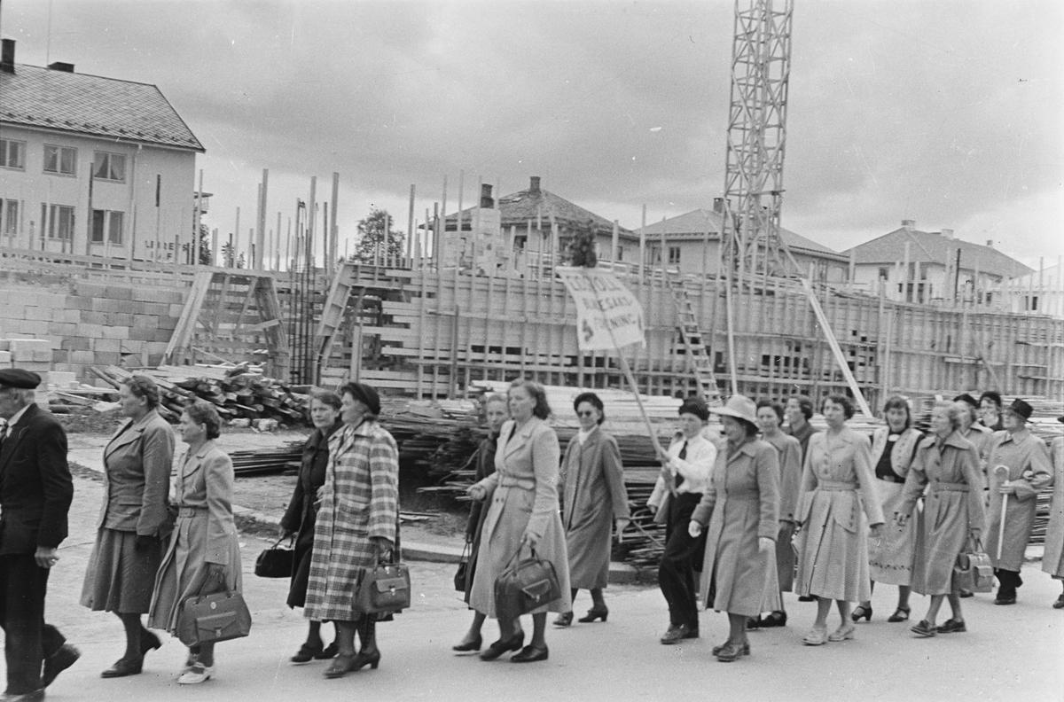 Opptog, Leiret. Elverum. Blindesakskvinnene. 1954.
