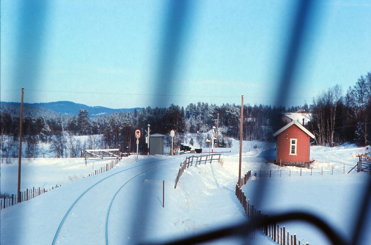 Hummelvoll / Håmålvoll holdeplass sett fra lokomotivet i dagtoget, Ht 301.