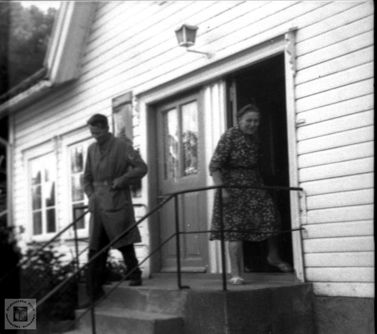 Poståpner Aanen Nyvoll og Alfa Helle.