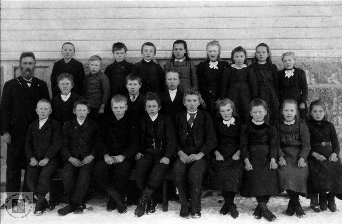 Øyslebø skole 1900-1901