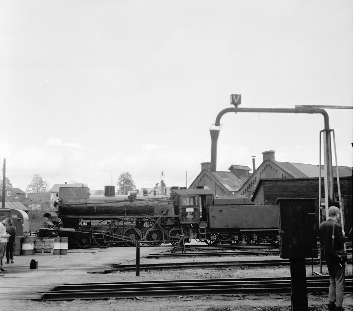 Damplok 26a 217 ved lokstallen på Hamar.