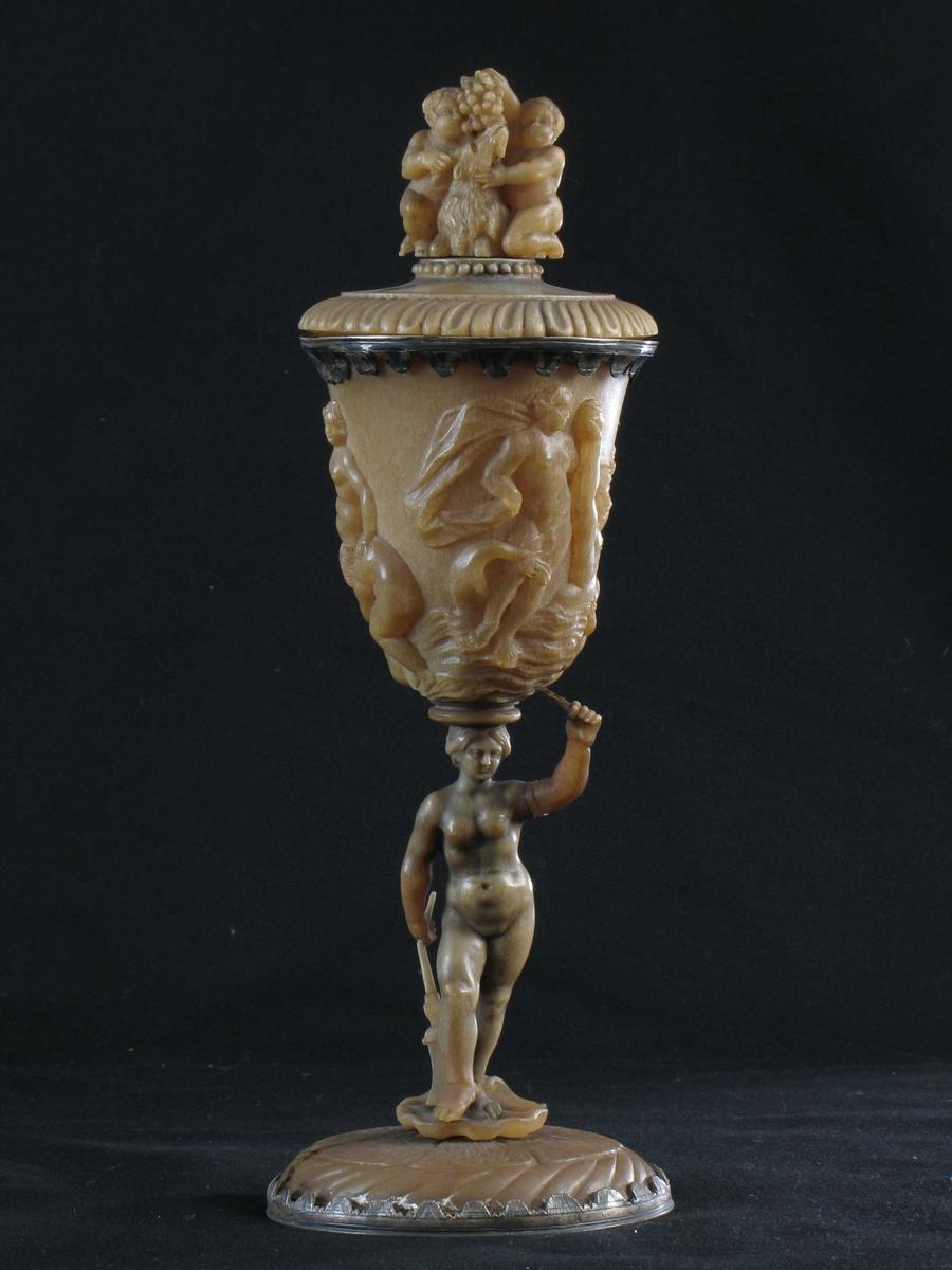 Venus, najader, bladformer,  to amoriner som forer en geitebukk