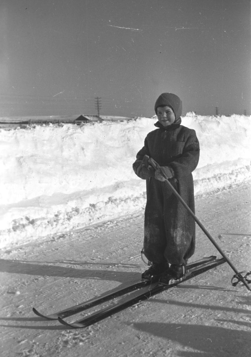 Øystein Hauge på skitur i/rundt Vadsø.