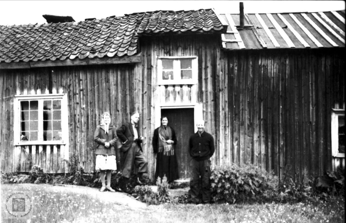 Gruppeportrett på Bergan, Bjelland