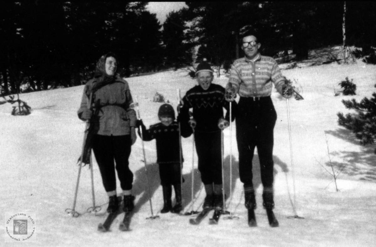Uglandsfolk på skitur
