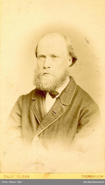 Portrett av Torstein Lian(1841-1911), lærer og kommunepolitiker i Leiranger.