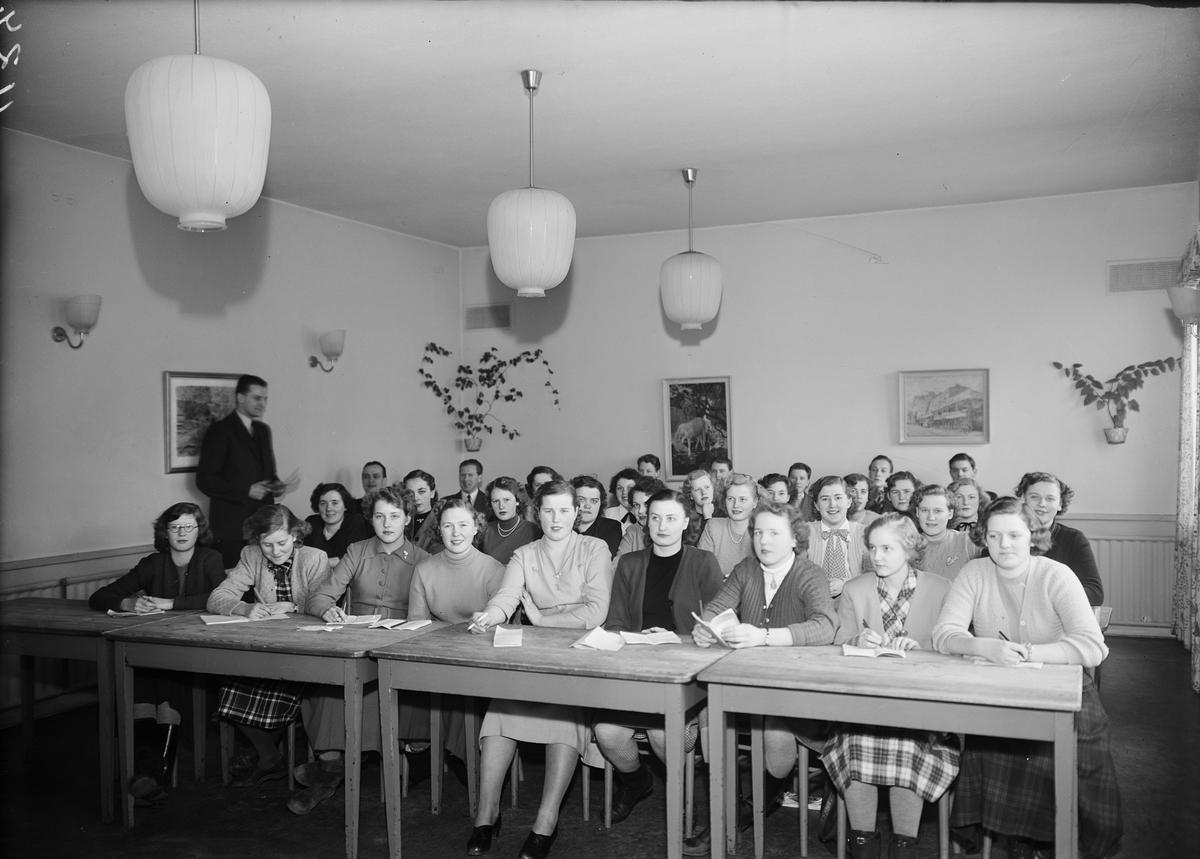 Konsumentföreningen, Uppsala 1951