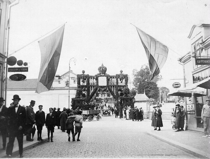 Kungabesöket 1924. Västerbro från Stora Brogatan.