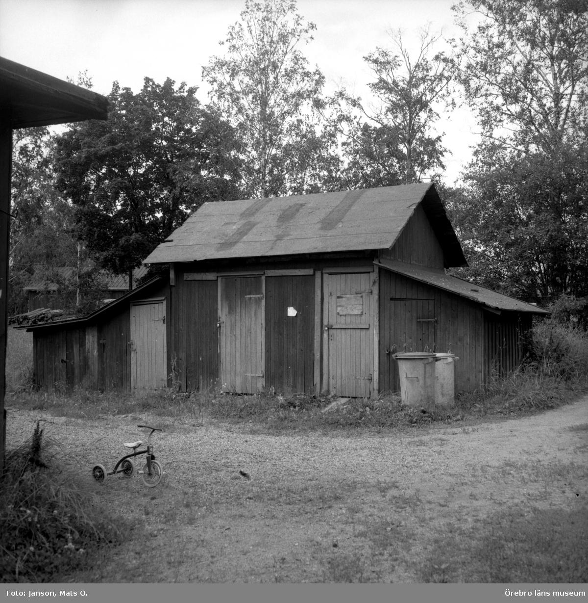Boforsinventeringen, arbetarbostäder. Gråbo, Korpkullen. Uthus 1006, från O.