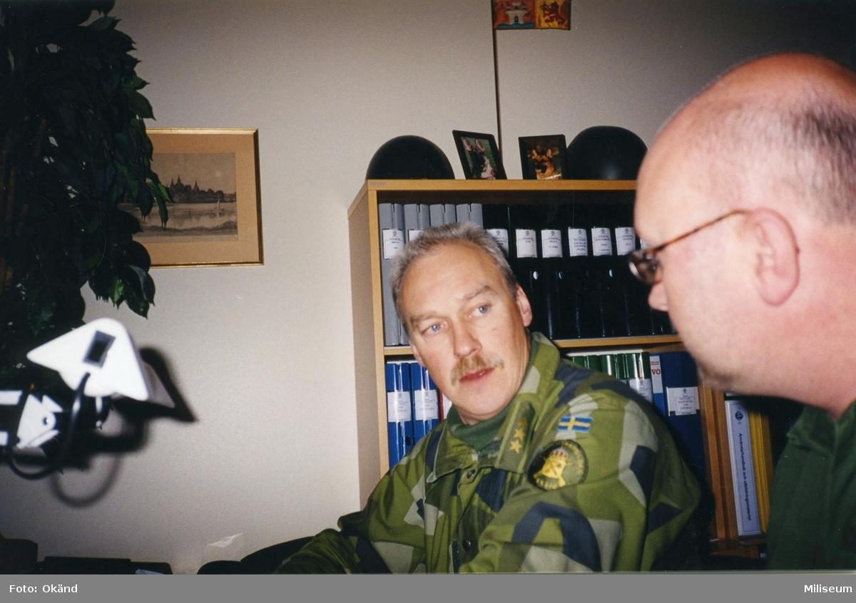 Expedition på I 12. Per-Erik Axing och löjtnant Hans-Peter Waldener, I 12.