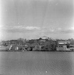 Trondheim Handelsgymnasium og bebyggelse i Elvegata sett fra