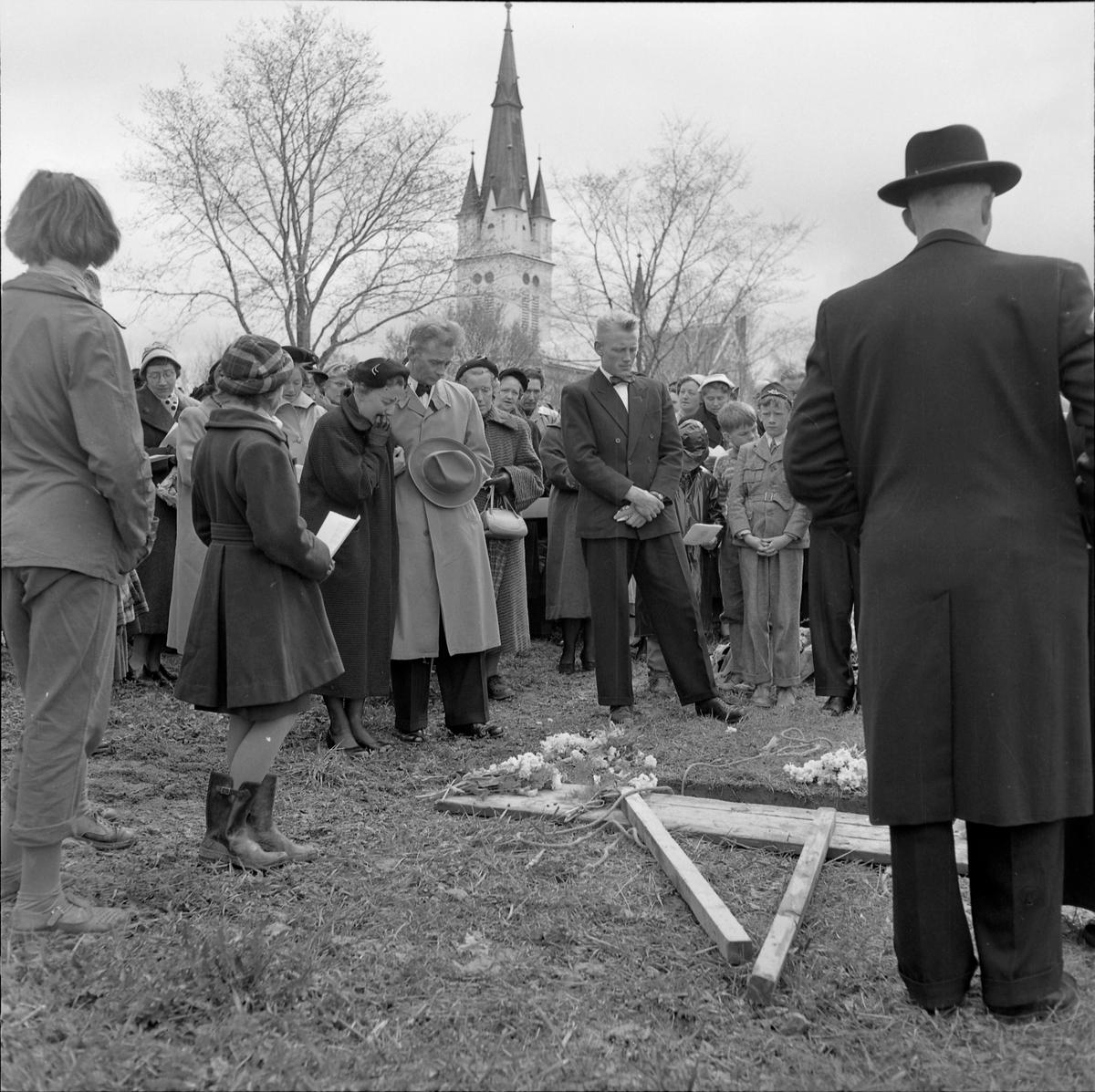 Begravelsen Rolf Kvaal som ble drept av en pasient fra Reitgjerdet