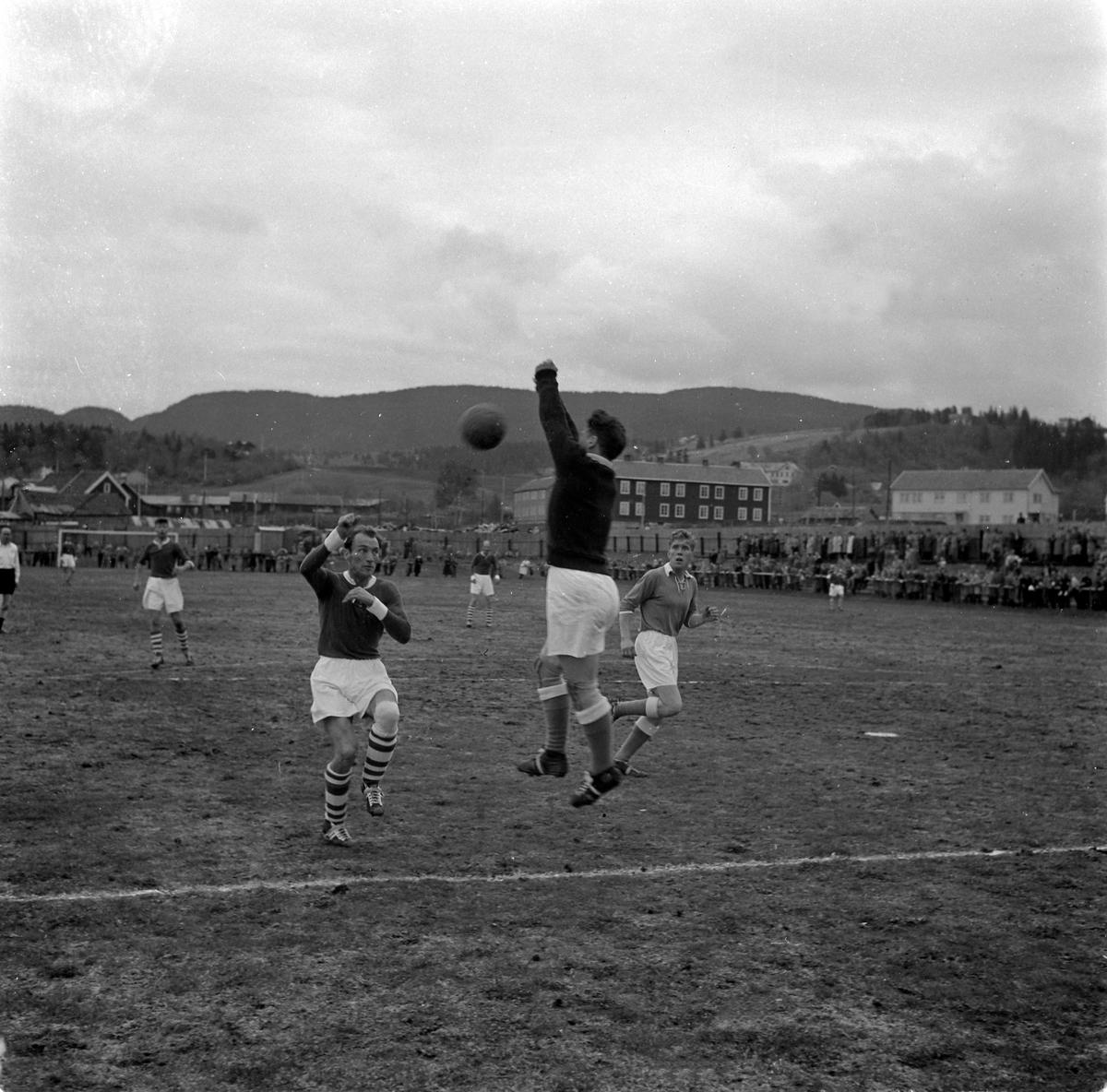 Fotballkamp mellom Ranheim og Sarpsborg