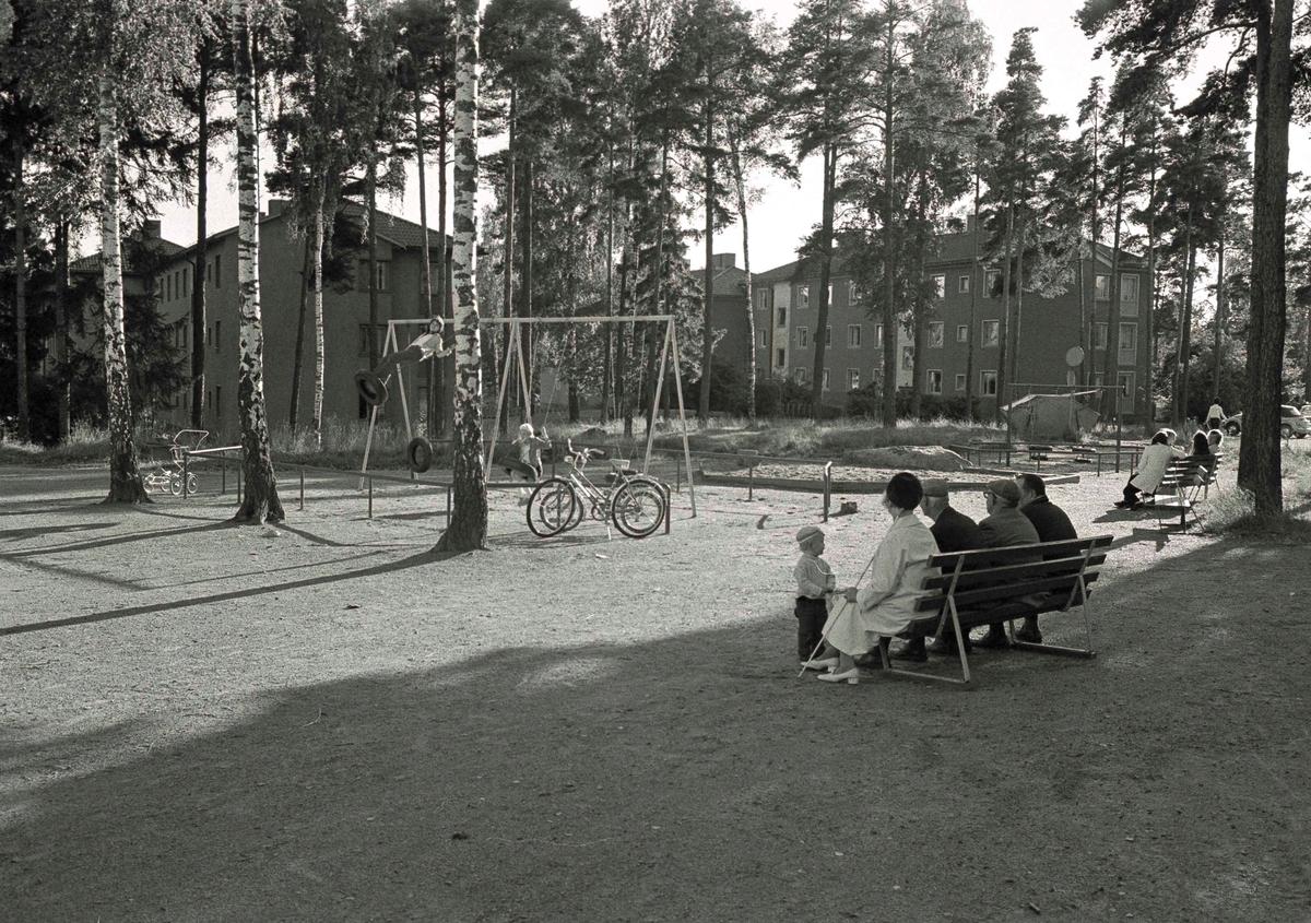"""""""Lekpark på Tråddragargatan 23-25 för """"""""Vår bostad"""""""""""""""