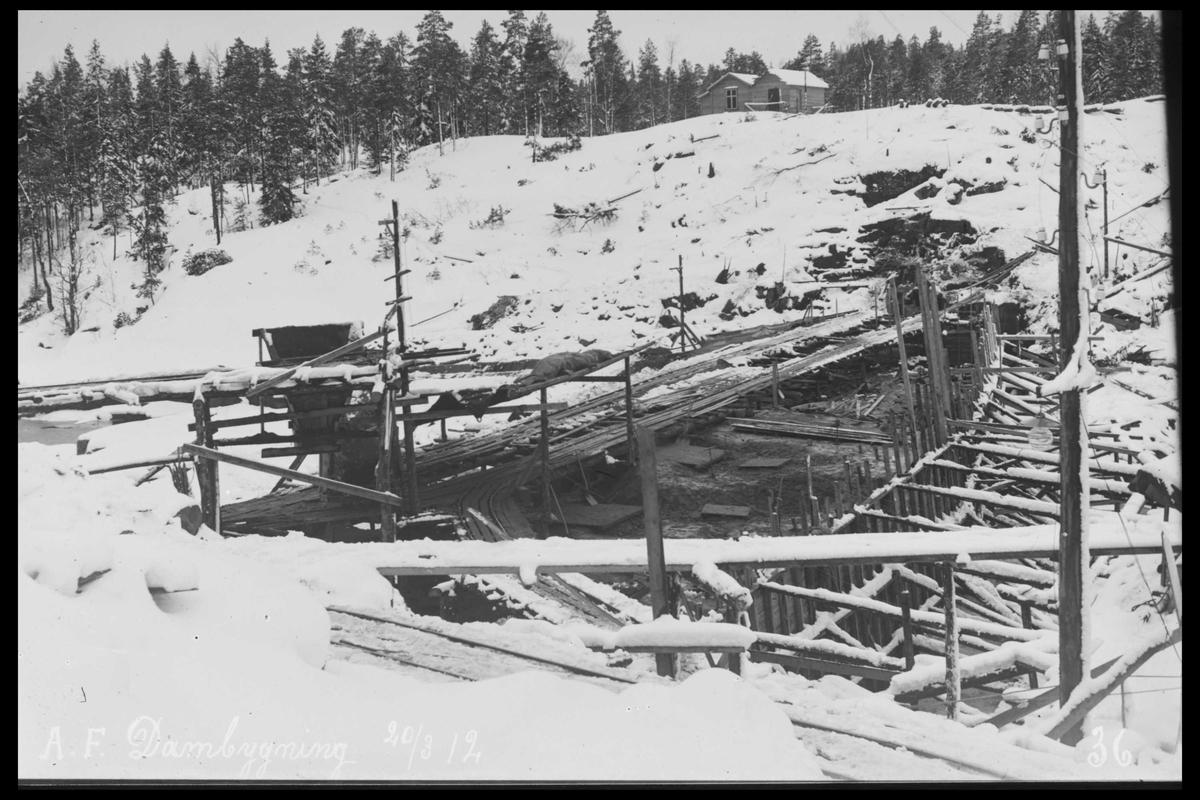 Arendal Fossekompani i begynnelsen av 1900-tallet CD merket 0565, Bilde: 8 Sted: Haugsjå Beskrivelse: Dammen under bygging