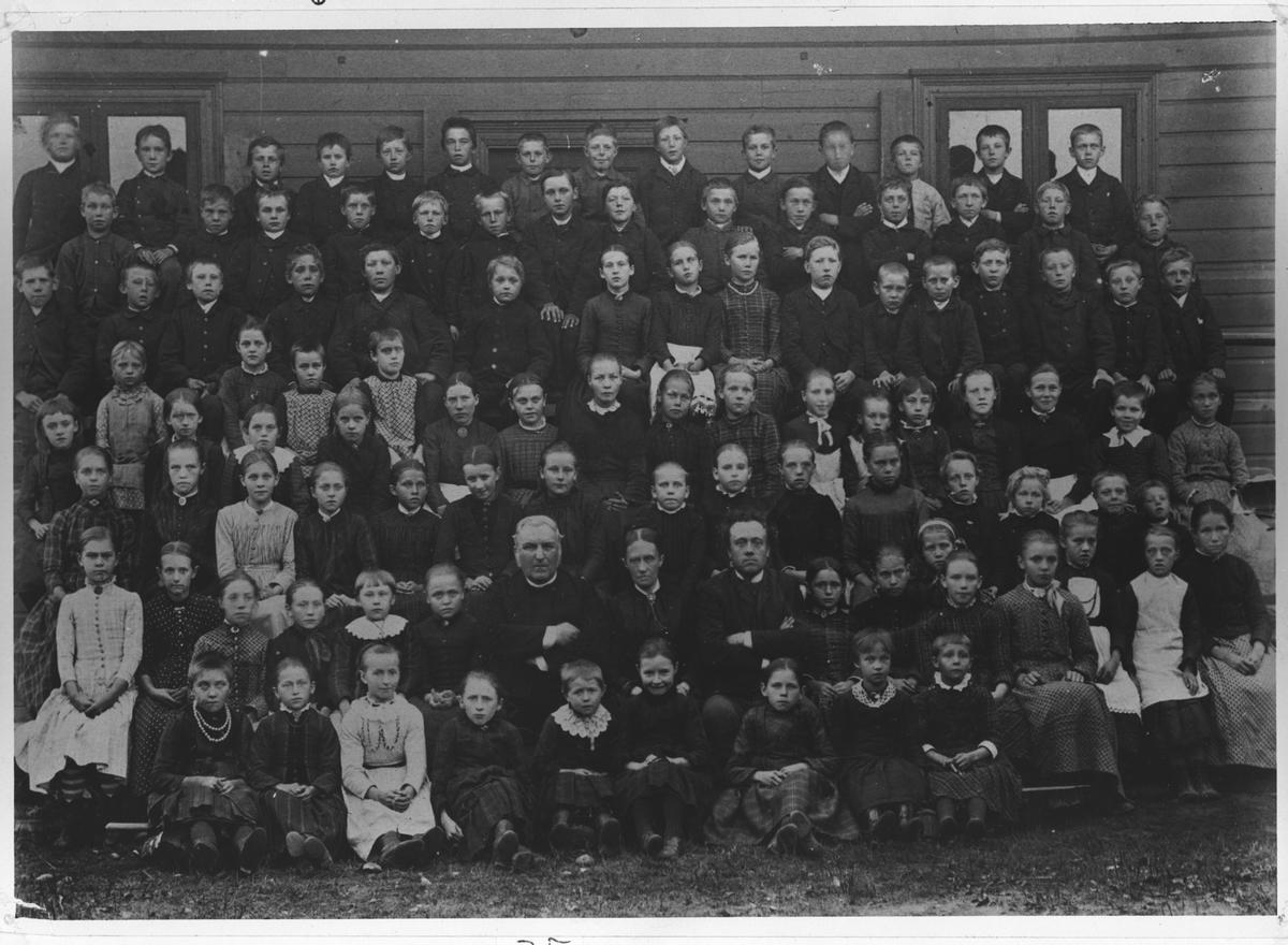 Elever og lærere ved Lillestrøm Bruksskole.