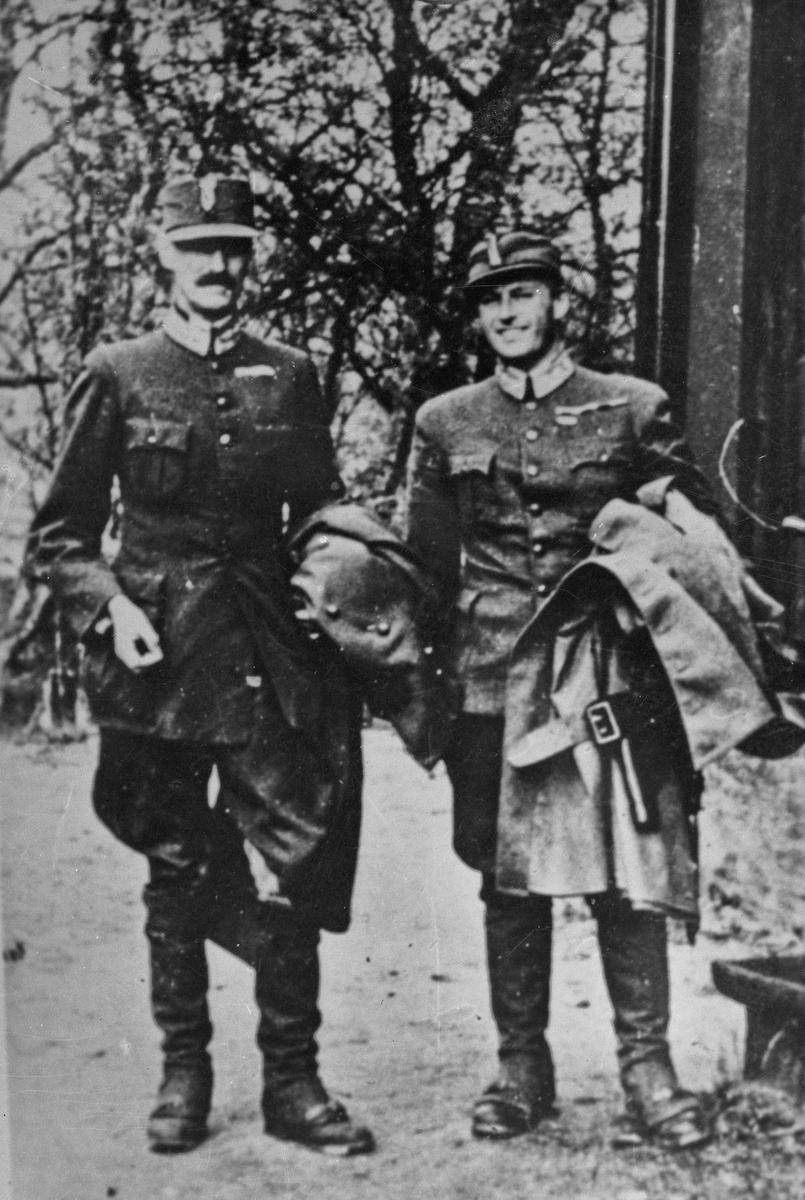 Kong Håkon og Kronprins Olav. Avbildet bilde.