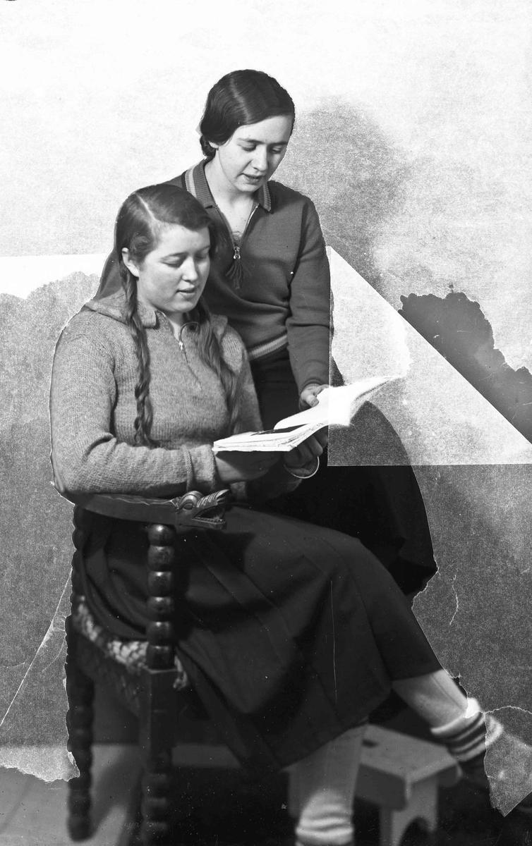 F.v.: Else Gulbrandsen, gift Weldahl og Elsa Furulund, gift Bredesen