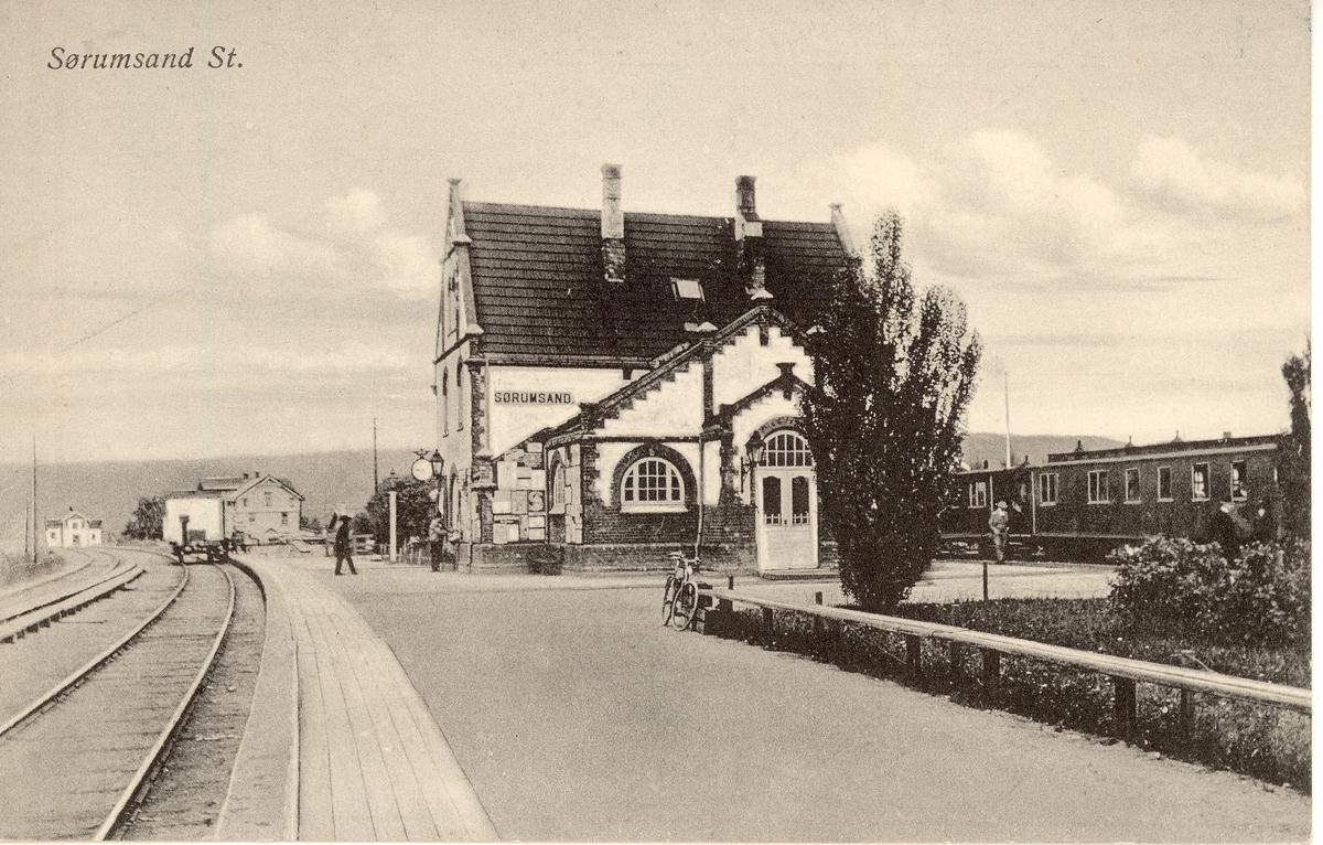 Sørumsand stasjon normalsporet godsvogn og UHB-vogner