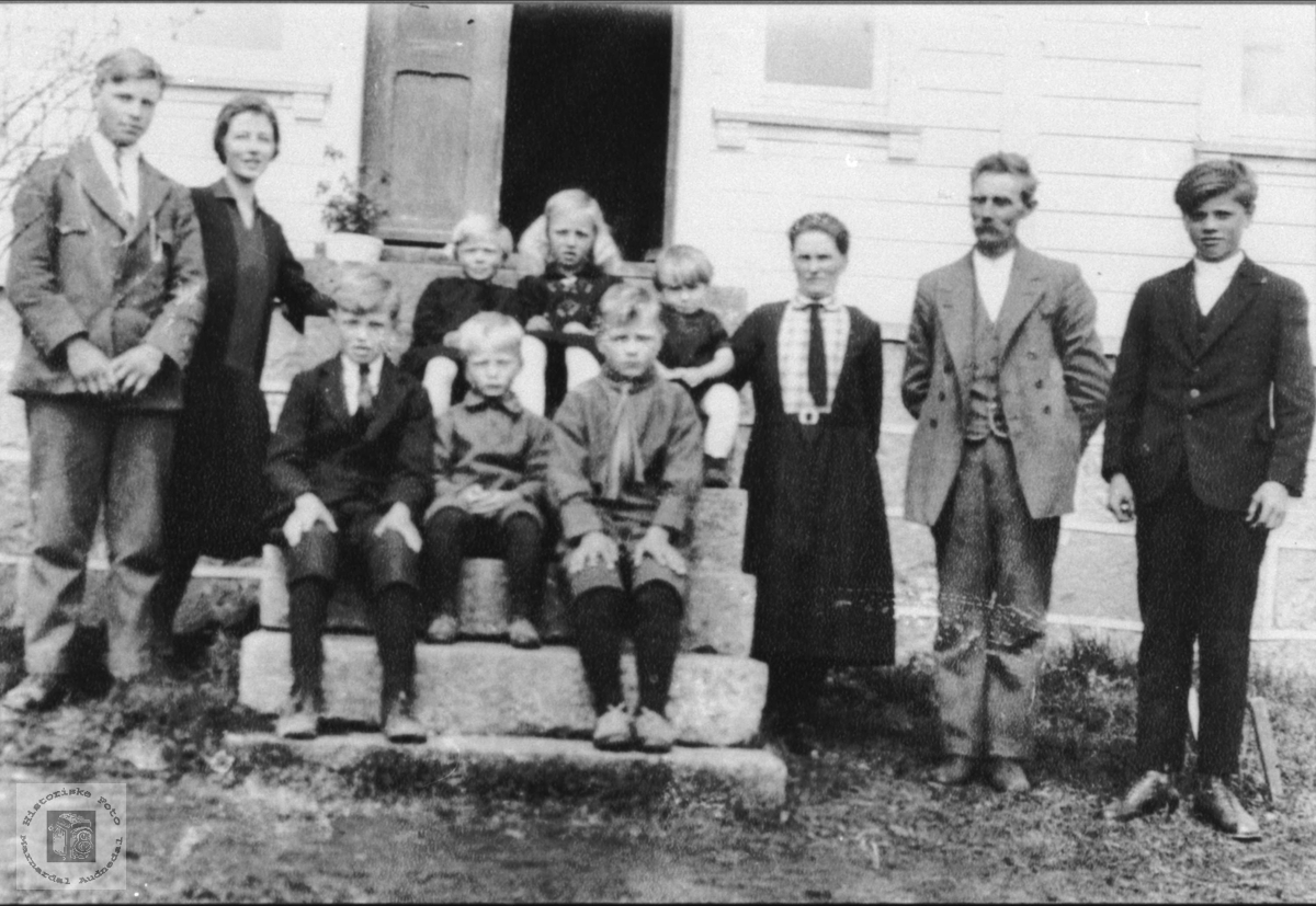 Familien Spikkeland, Øyslebø.
