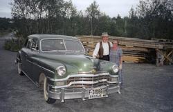 Solveig - og Helge Frydenlund skal ut og køyra veteranbil i