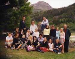 Avgangsklassen ved Hemsedal barne- og ungdomsskule i 2004. F