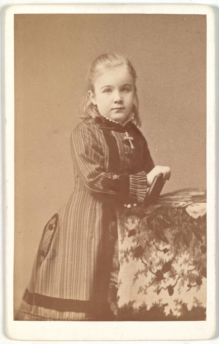 Portrett av Louise Mathiesen.