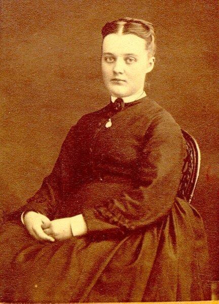 Anna Håård, rådmannens fru.
