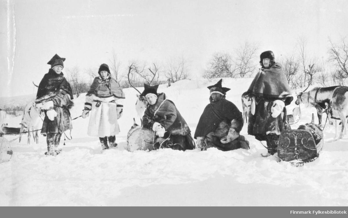 Ved Raiti skogstue mars 1917.