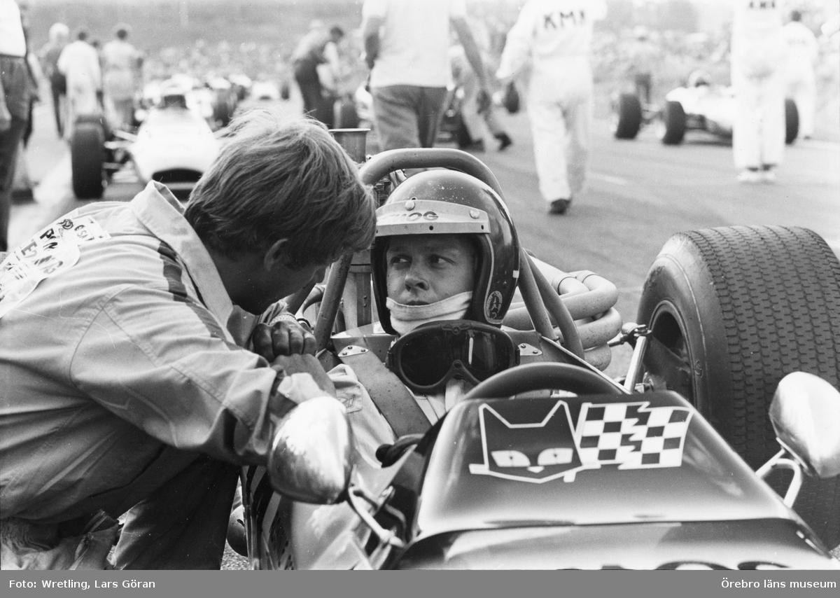 Karlskoga Motorstadion , Ronnie kör F3.
