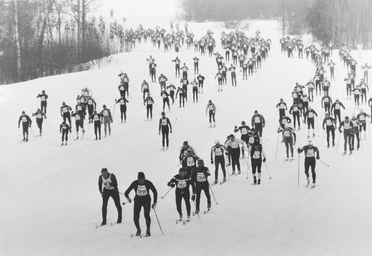 Holmenkollmarsjen startet på Elvetangen i Hakadal.