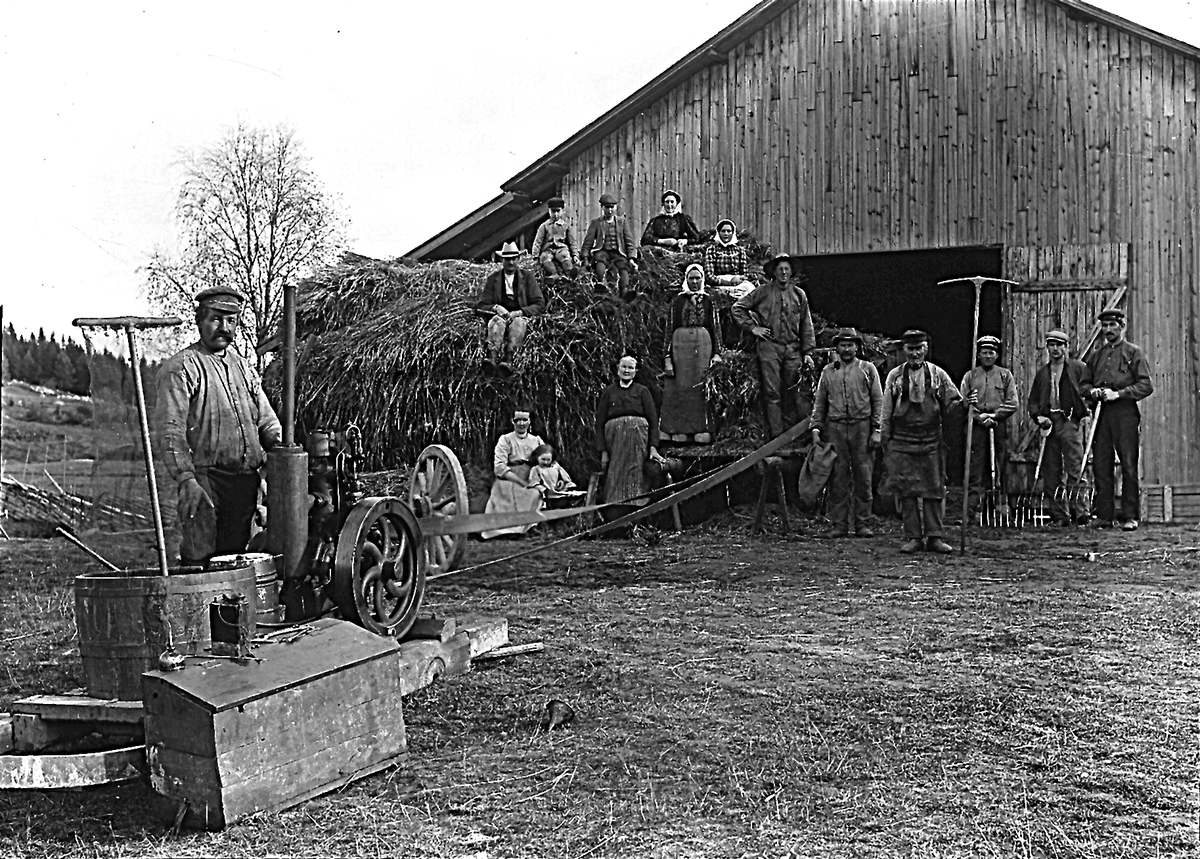 Jordbruksarbete, personerna okända.