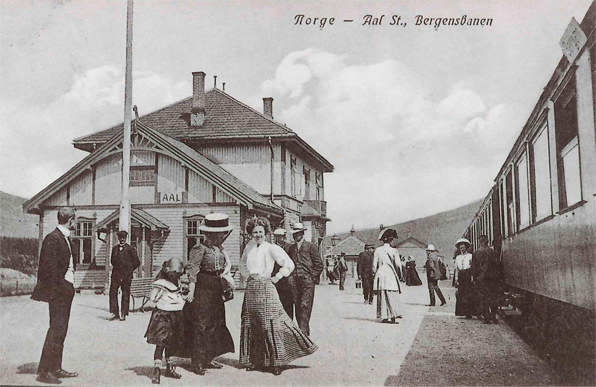 Tog til Bergen under oppholdet på Ål stasjon.