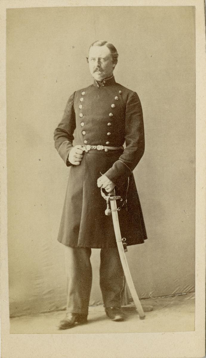 Porträtt av okänd löjtnant vid kavalleri.