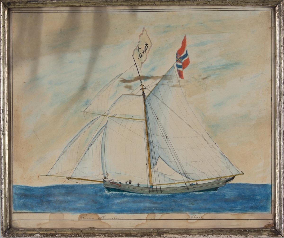 Skipsportrett av jakten BERENTINE med full seilføring samt unionsflagg i mesanmasten og kjenningssignalflagg i stormasten.
