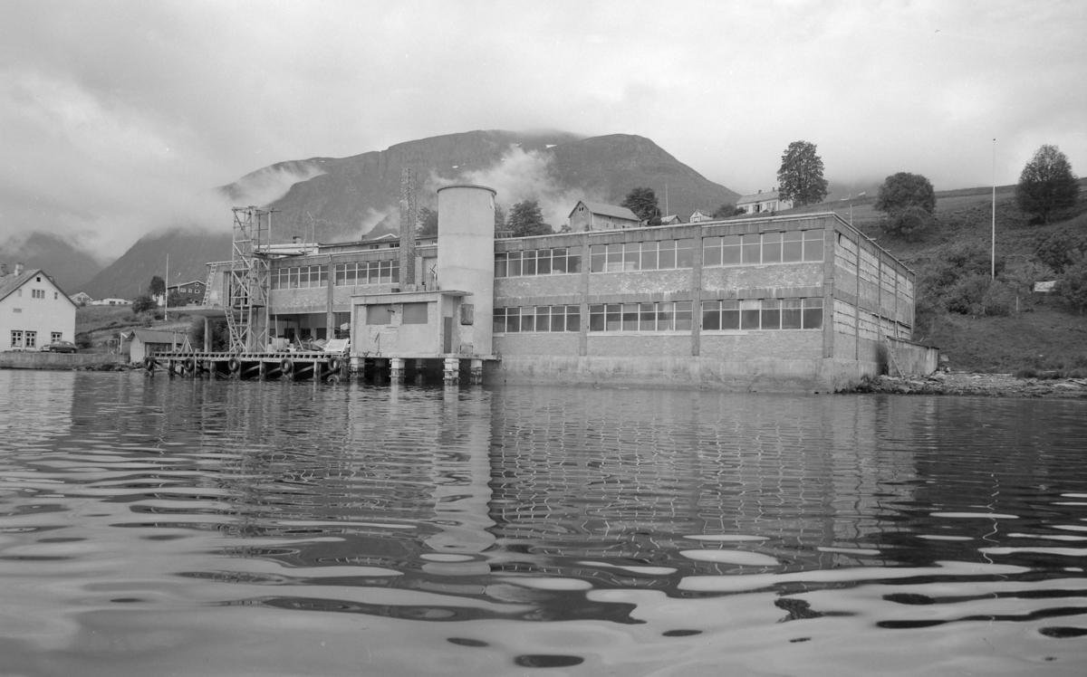Foto av fabrikkbygning: P.O. Jarnes