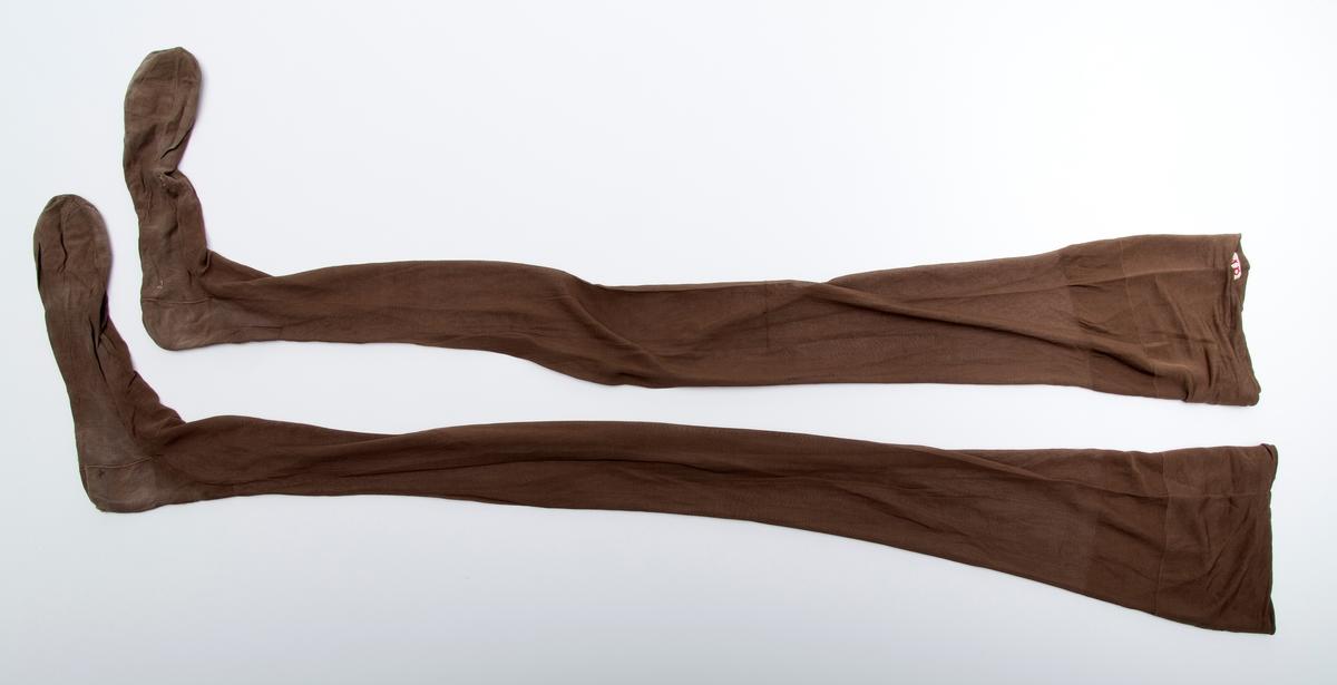 Damestrømper, lange. Ett par.