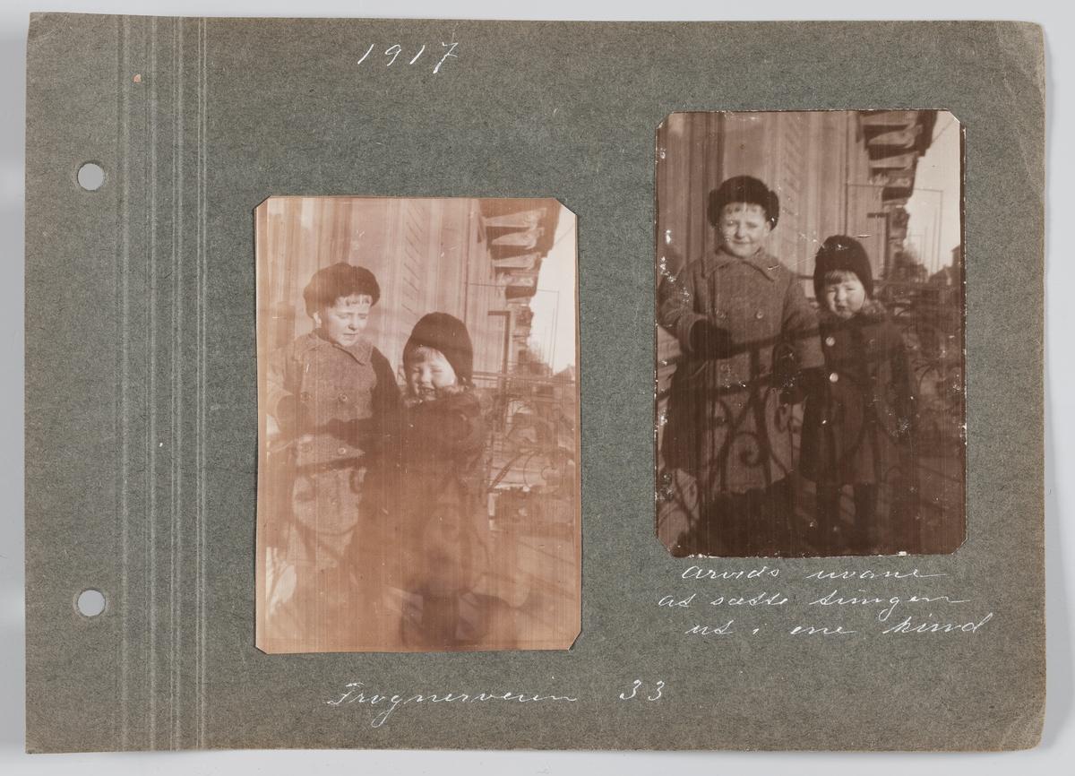 Begge bilder: Erling og Arvid Michelsen på balkongen i Frognerveien 33, Oslo, april 1917.
