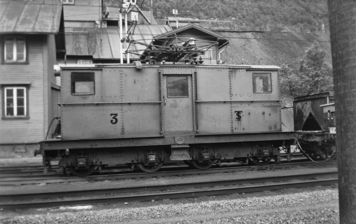 Thamshavnbanens lokomotiv nr. 3 på Thamshavn stasjon.