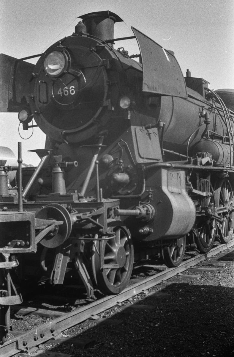 Damplokomotiv type 30c nr. 466  på Trondheim stasjon.